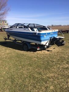 1987 Bayliner with easy load trailer engine is blown