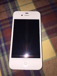 iPhone 4 9/10 condition