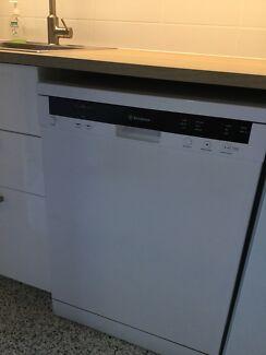 Westinghouse Dishwasher WSF6606