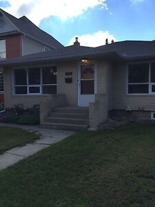 Available Immediately! Spacious 5 bedroom bungalow