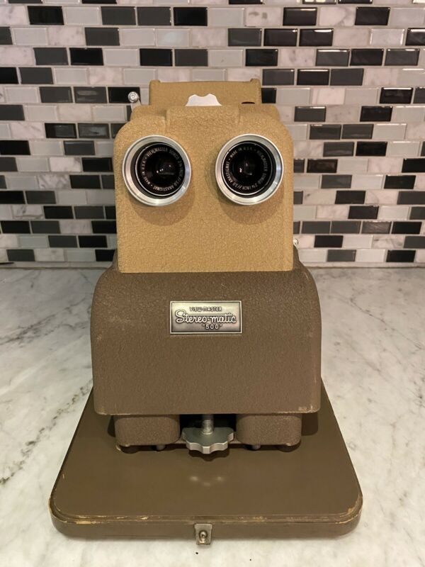 VTG Sawyer's Viewmaster Stereomatic Projector With Carrying Case