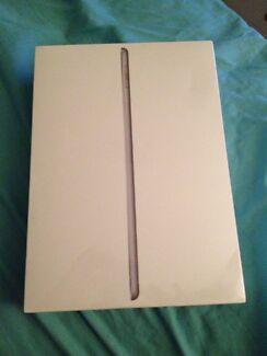 128gb iPad black wifi and celluar