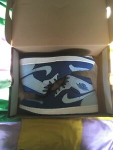 Air Jordan 1 team blue mids