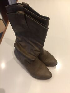 Women's Light Brown Cowboy Boots for Sale