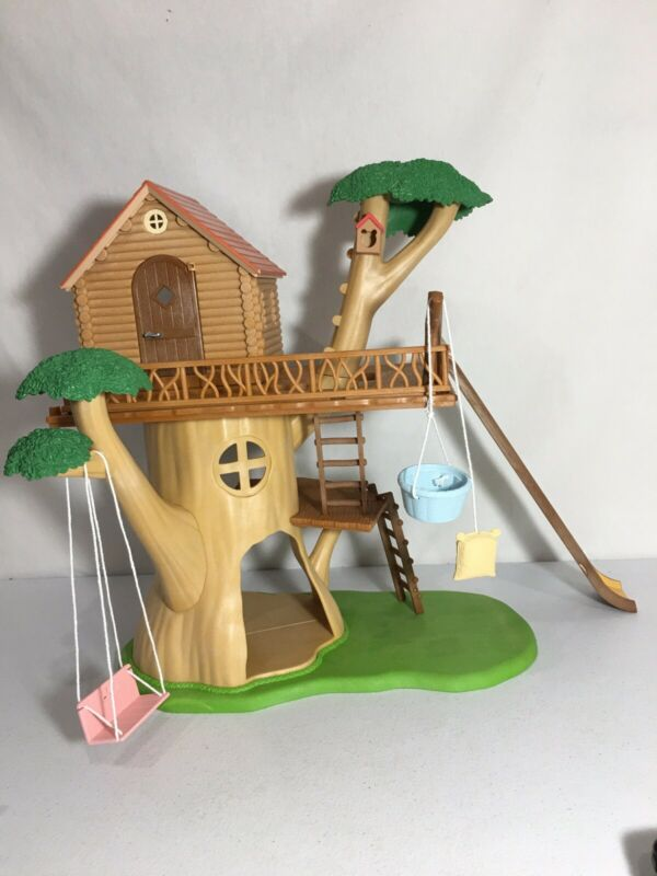 Calico critters/sylvanian families Adventure Treehouse house