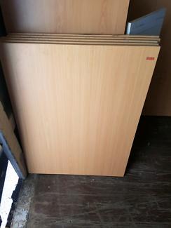 Laminated wood desk tops panels 1000 x 750 used conditon