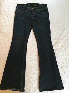 American Eagle low rise stretch jeans