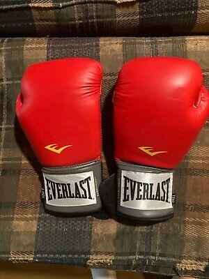 Everlast Red boxing gloves 12 oz