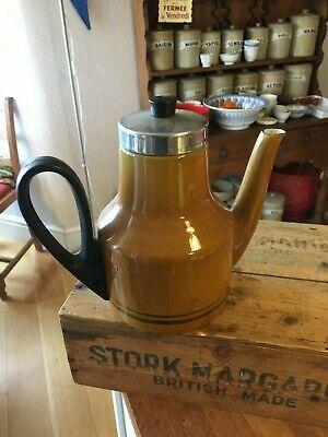 Vintage Shaded Tan / Beige Enamel Coffee Pot – 1970's – Kitchenalia – Retro!