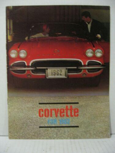 1962 Chevrolet Corvette Car Dealer Sales Brochure Catalog