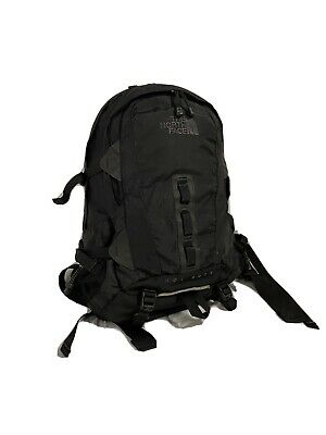 THE NORTH FACE HOT SHOT BACKPACK *USED*