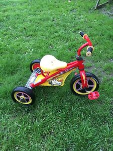 Lightning McQueen try-cycle