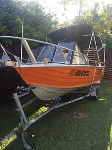 3.9m Stacer Runabout Boat Mount Cotton Redland Area Preview