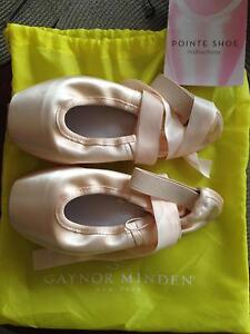 Gaynor minden pointe shoes Hackham Morphett Vale Area Preview