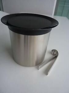 Avanti Ice Bucket with lid and tongs