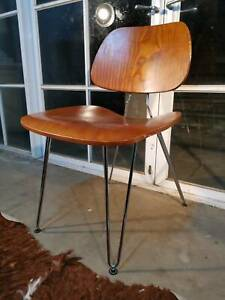 Beautiful Eames Style Danish Vintage Formed Ply Office Chair -Can Del
