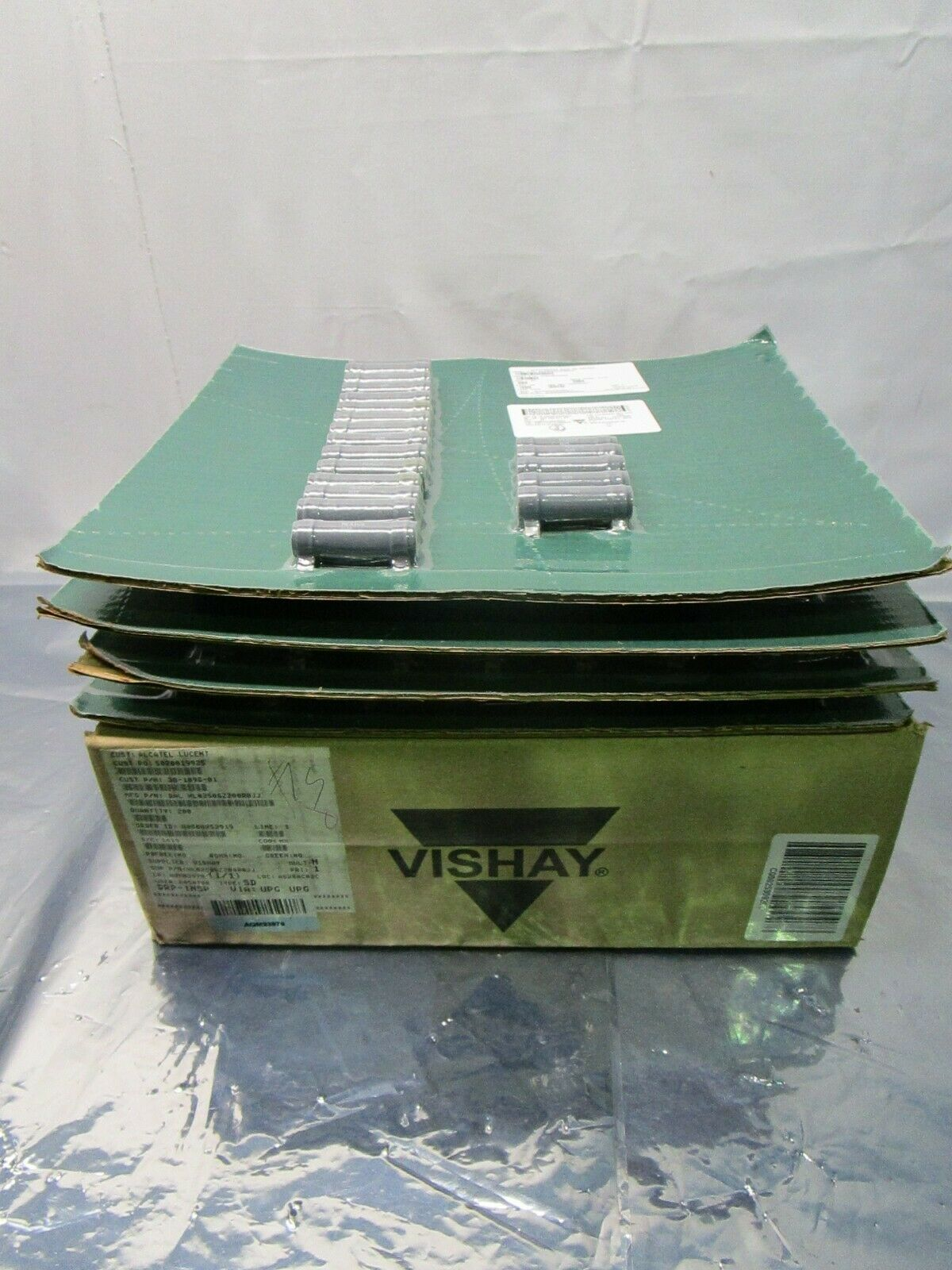 1 Lot of 200 Vishay HL02506Z200R0JJ Wirewound Resistors - Chassis Mount, 102581