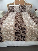 Queen Bed Comforter Set Adamstown Newcastle Area Preview