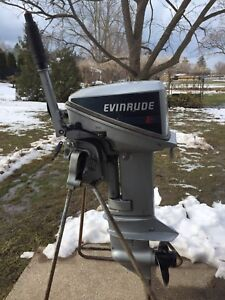 15HP Evinrude Outboard Motor ( PARTS ONLY)