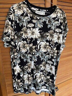 BNWOT Mens Abercrombie floral T Shirt A&F Size XL RRP £20
