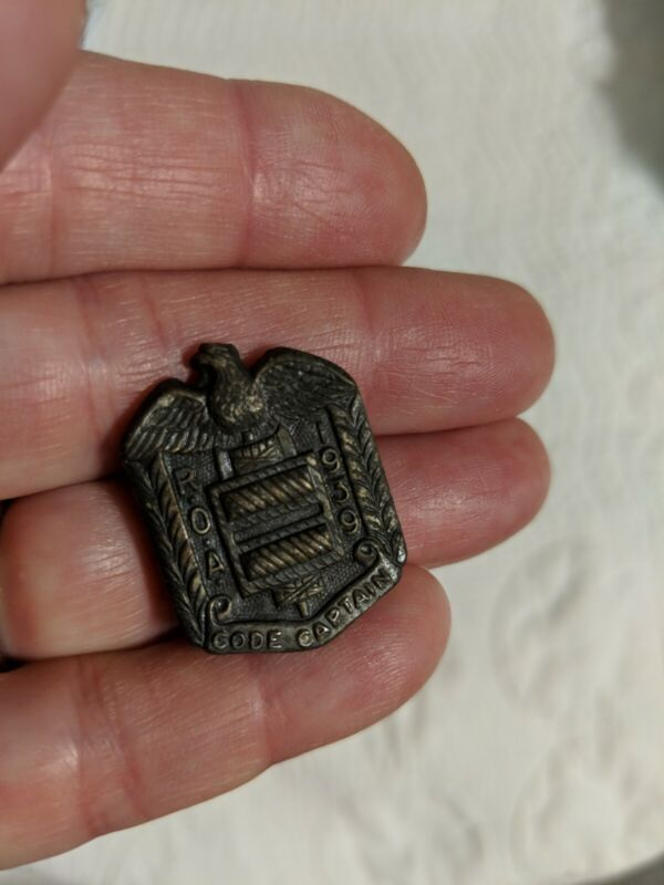 Vintage 1939 Orpan Annie Radio Code Captain ROA Secret # Pin with Eagle