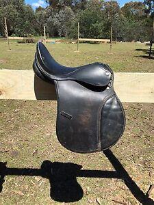 2 saddles 1 saddle blanket Swanpool Benalla Area Preview