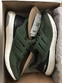 Adidas ultra boost US 10 olive green