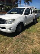 Toyota hilux sr space cab Lake Heights Wollongong Area Preview