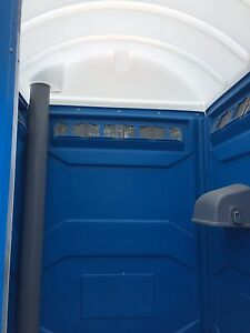 Nearly new Portable toilet with trailer Kingston Kingston Area image 3