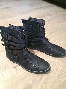 Souliers converse taille 7 femme