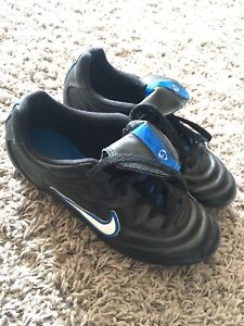 Nike Soccer Cleats Size 3 Youth