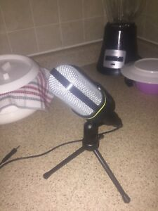 Microphone for recording music brand new condition good quality