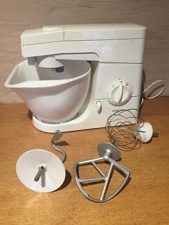 Kenwood chef mixer - excellent condition