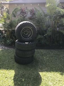 Black Sunraysia rims and tyres