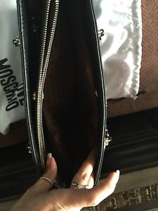 Authentic Moschino purse  West Island Greater Montréal image 2