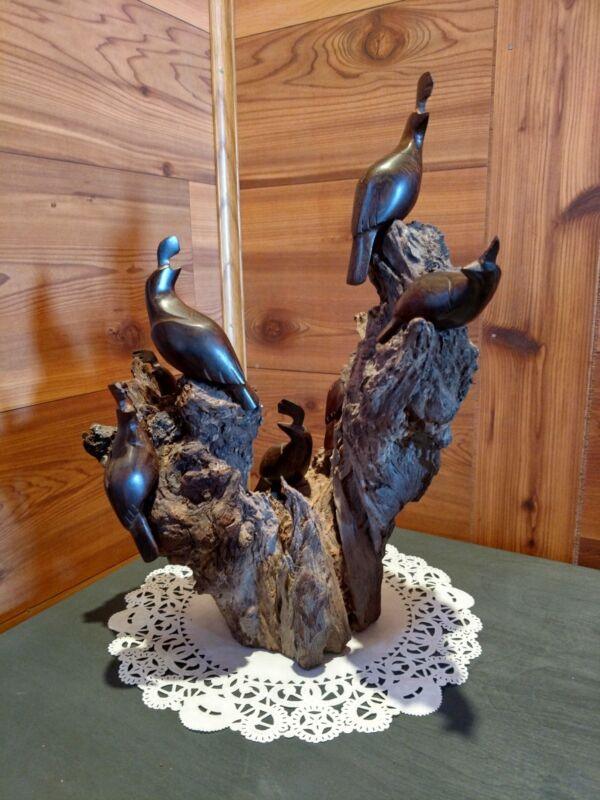 NATURAL DRIFTWOOD SCULPTURE WITH HAND CARVED COVEY OF 7 QUAIL WOODEN FIGURINES