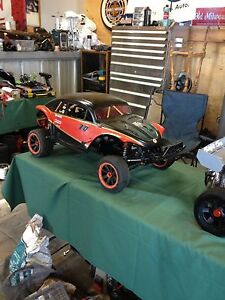 Baja Hpi 5t with proline bug body not Losi traxxas redcat