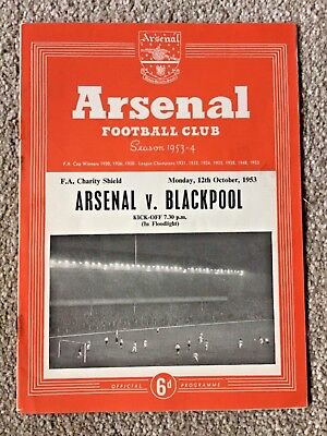 Arsenal v Blackpool F.A. Charity Shield final 1953 programme. Good condition
