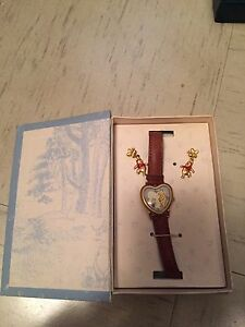 Brand new disney classic whinnie the pooh watch with earrings