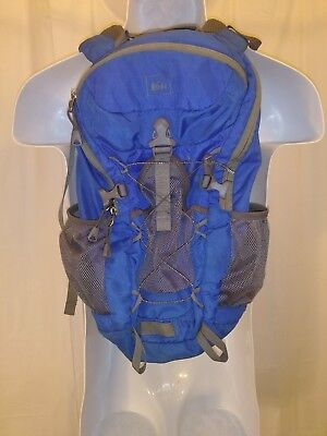 Youth REI TARM 18 Hiking Day-Pack Camping Rucksack Travel Carry-On Backpack 3acb6da1984dd