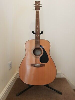 Yamaha acoustic guitar F310