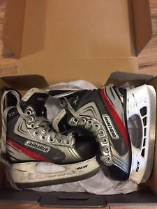 Youth Bauer Vapor size 11