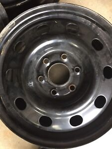 GM Rims 6 bolt. (4) 17inch
