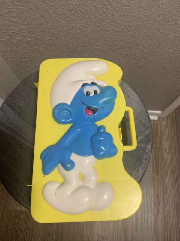 Vintage Smurf 1983 Figure Carrying Case