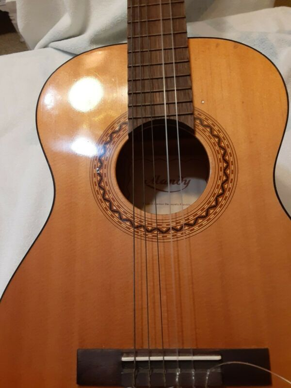Vintage Guitar  *Made In  German Democratic Republic * MANDY
