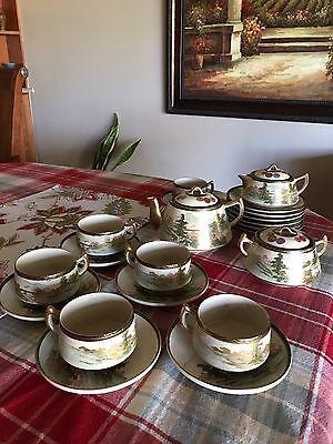 Vintage hand painted Japanese tea Set. 21 Pieces.