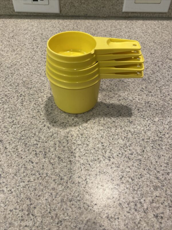 Vintage Tupperware Sunny Yellow Nesting Measuring Cups Complete Set of 5