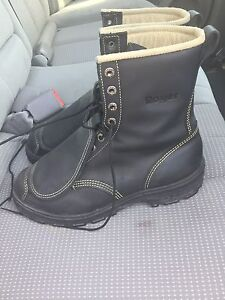 Safety boots. Size 9.5 Used only 1 week