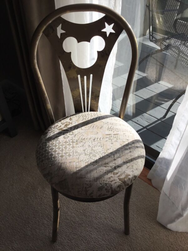 UNIQUE DISNEY GOLDEN ACCENT CHAIR MICKEY MOUSE EARS STARS LANE FURNITURE MID90s