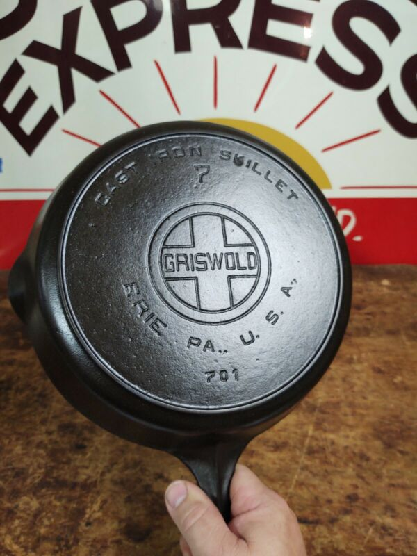 """Fully Restored"" GRISWOLD #7 Cast Iron Skillet 10"" Large Logo 701 Seasoned Flat"